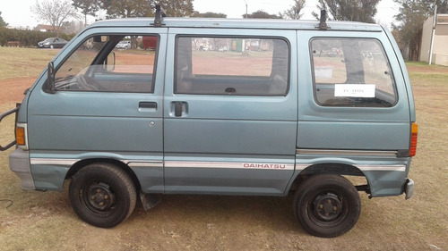 camioneta daihatsu hijet año 93, potencia 1000cc, 8 pasaj.