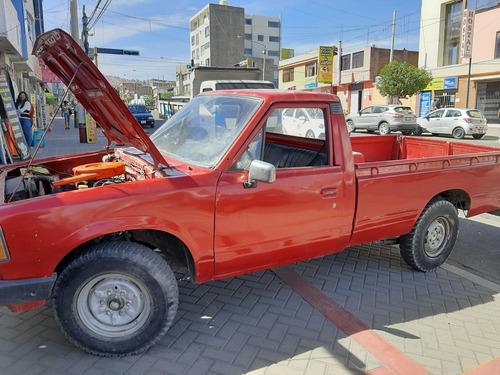 camioneta datsun  1981 color rojo