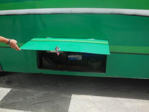 camioneta de pasajero minimetro 24 puesto lista para trabaja