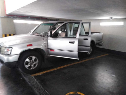 camioneta doble cabina 4x2