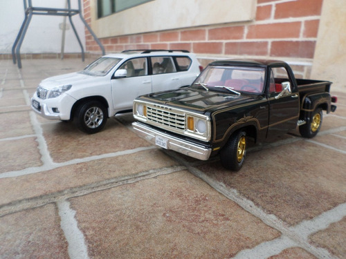 camioneta dodge 100 escala 1/18