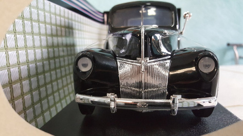 camioneta for  a escala 1:18 modelo 1940 color negro collect