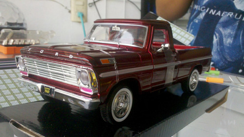 camioneta ford  f 100 scale 1/24 de collection mol 1969