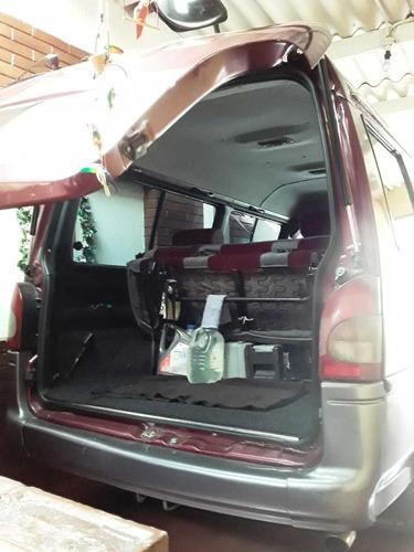 camioneta hyundai  gran saloon