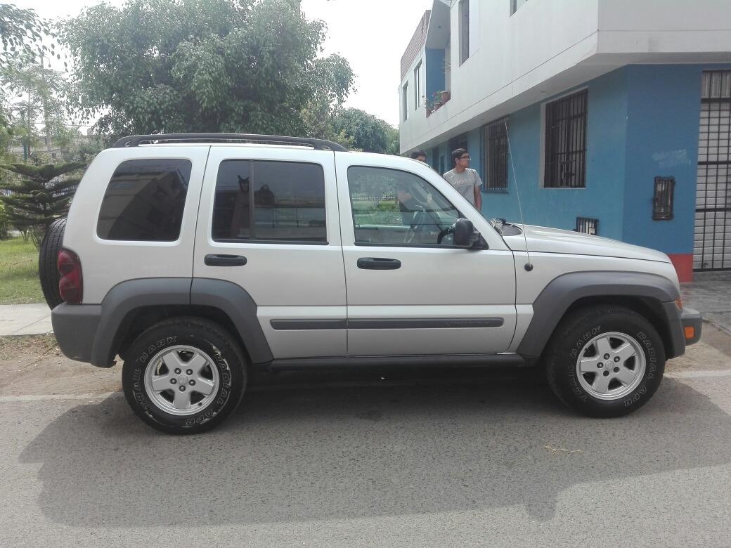 d56c406f0 Camioneta Jeep Liberty Año 2005 - U$S 7.499 en Mercado Libre