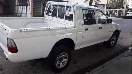 camioneta l200 añ2005