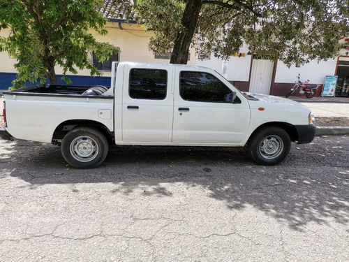 camioneta nissan frontier d22 doble cabina mod 2012