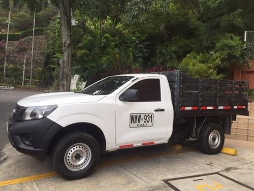 camioneta nissan frontier estacas placa  servicio publico