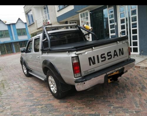 camioneta nissan versión d22,modelo 2011
