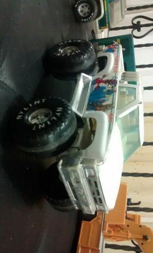 camioneta ojalata marca nylint