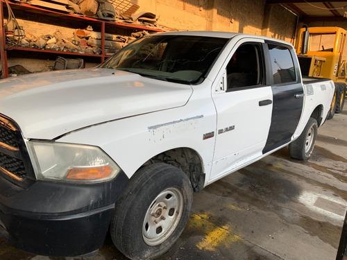 ¿camioneta ram doble cabina 2014 con algunos faltantes