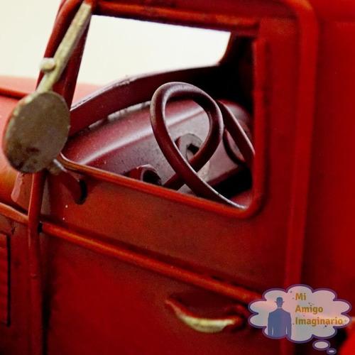 camioneta roja pickup clasica escala vintage retro metal