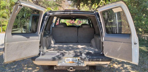 camioneta tahoe 1997 buen estado detalle en interiores 4x4