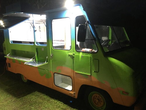 camioneta tipo food truck