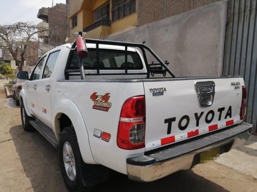 camioneta toyota hilux modelo srv full equipo del año 2015