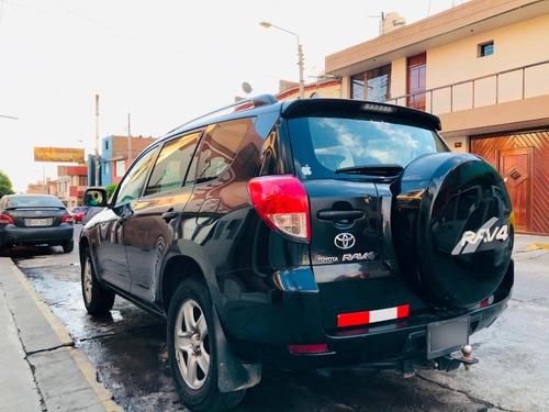 camioneta toyota rav 2.4  5 puertas  negra