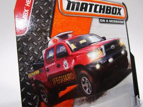 camioneta toyota tacoma escala miniatura coleccion  matchbox