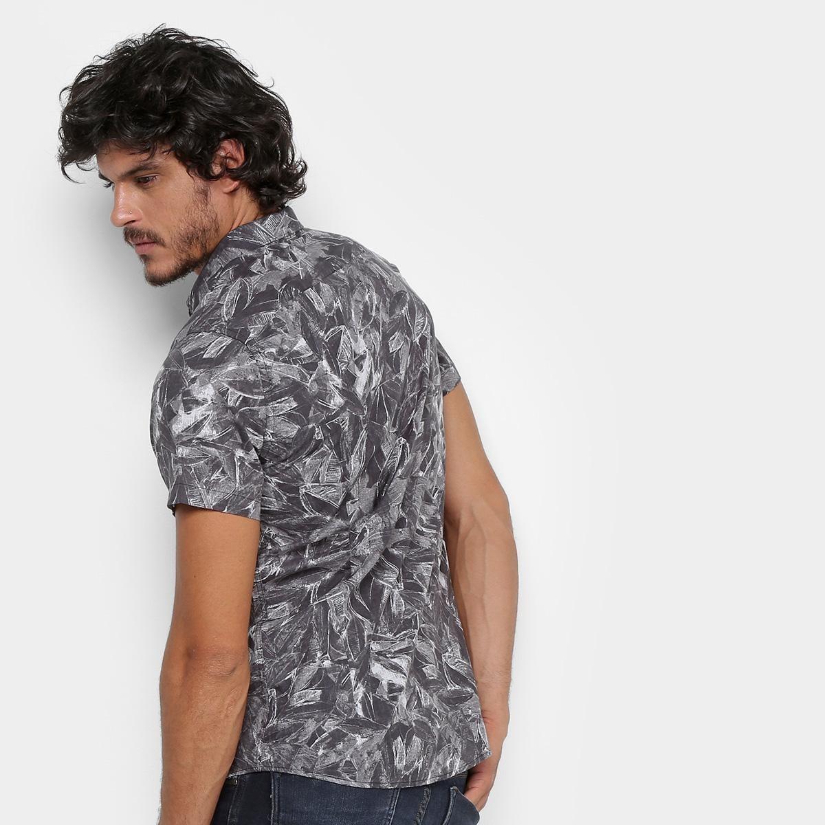 27ded366be95c Camisa Acostamento Manga Curta Estampada Masculina - R  249