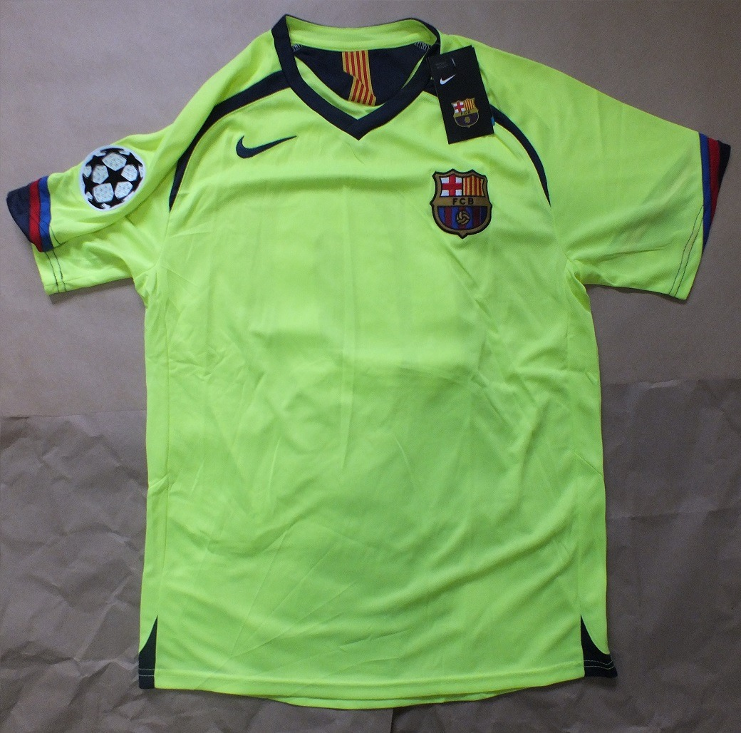 dad9c2acbd0fc Camisa Barcelona 2005 2006 Ronaldinho Nike - R  189