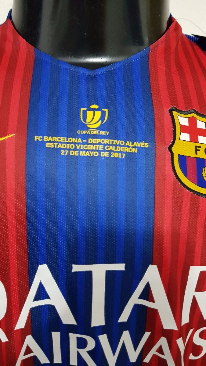 camisa barcelona home 16-17 a.iniesta 8 final copa do rey. Carregando zoom. 37034963c2843