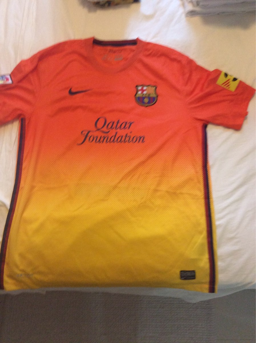 camisa barcelona modelo 2 amarela e laranja tamanho g. Carregando zoom. eb48b8e29e01e