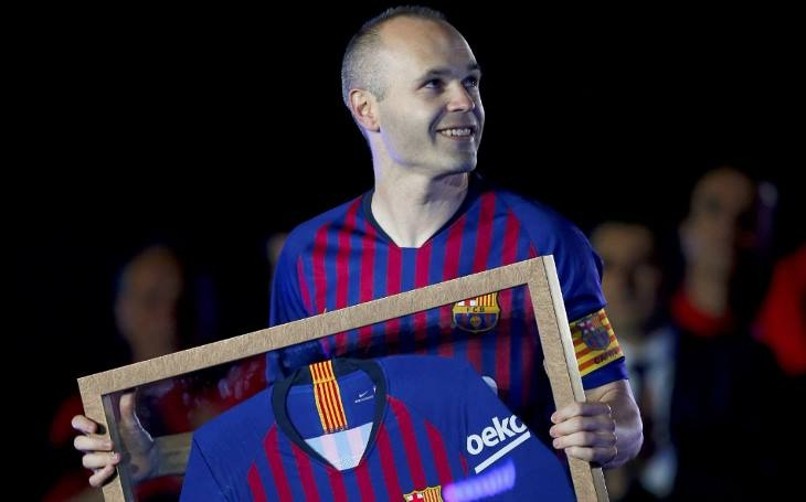 Camisa Barcelona Nike Despedida  8 Iniesta - Frete Gratis - R  180 ... b79400e0f09f2