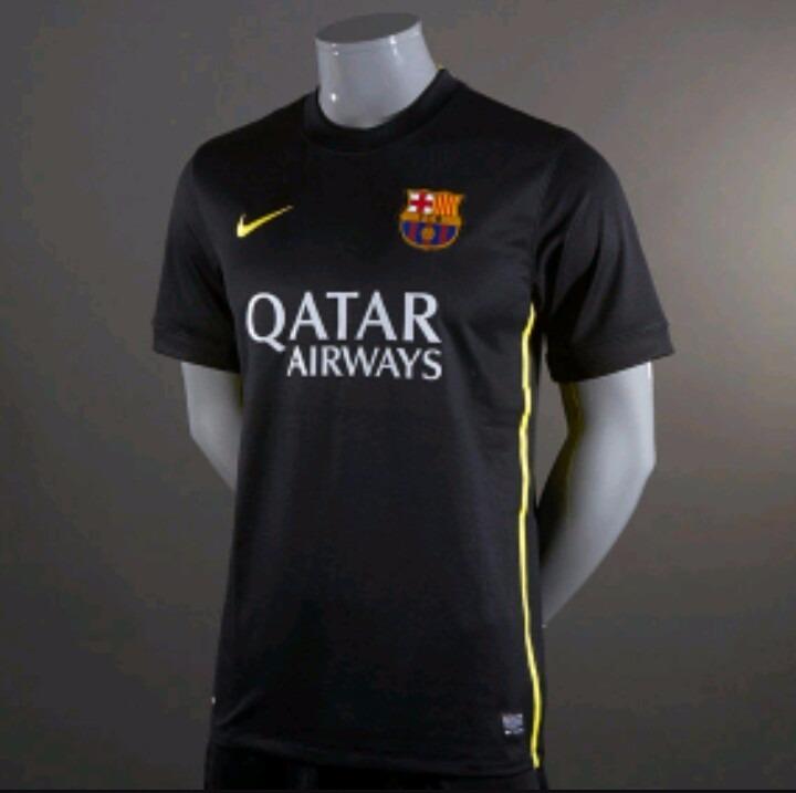 e304fdb2a5 Camisa Barcelona Preta Temporada13 14 Original - R  80