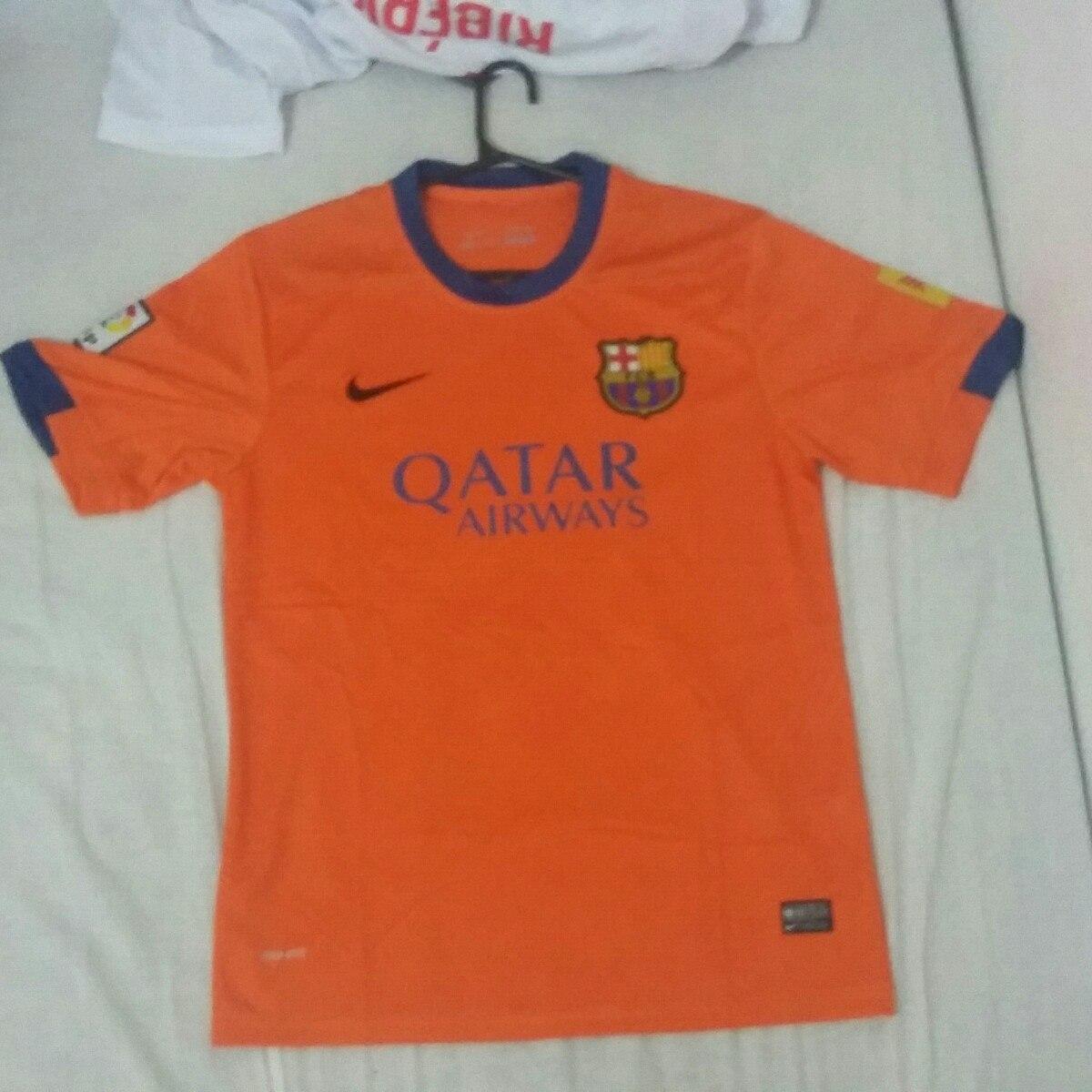 df0cfde3b3 camisa barcelona primeira linha. Carregando zoom.