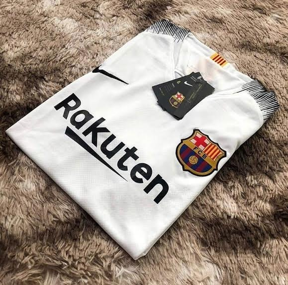 Camisa Barcelona Treino Branca 18 19 Torcedor - R  129 6040a0afd9de2