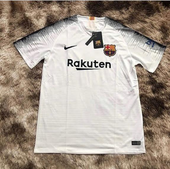 Camisa Barcelona Treino Branca 18 19 Torcedor - R  129 5f28cbf1fd82c