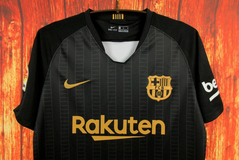 aeb4fe66ecb30 camisa blusa concepção preta e dourada barcelona adulto 2018. Carregando  zoom.