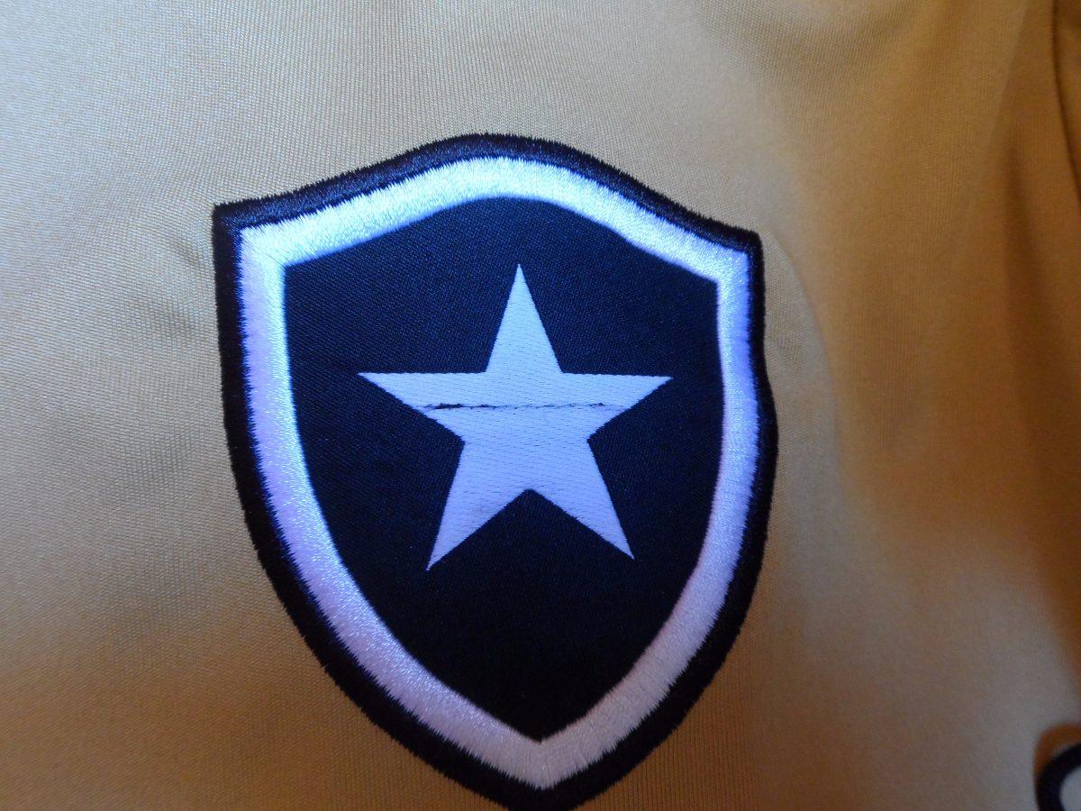 camisa botafogo dourada puma oficial pequeno defeito. Carregando zoom. f1a1fe3116c93