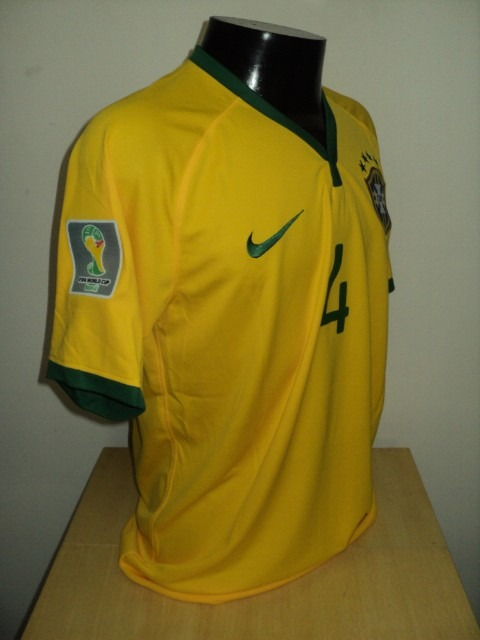 Camisa Brasil Home 14-15 David Luiz 4 Patch Copa 2014 Imp - R  160 ... 228b9dd728d01
