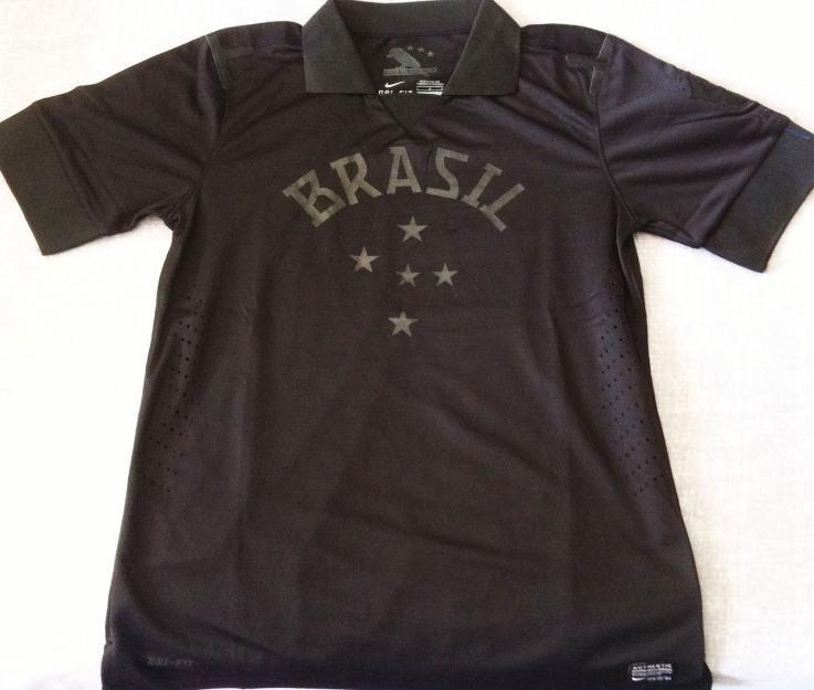 Camisa Brasil Preta Tamanho M Modelo 2013 - R  40 2c7dd6763da