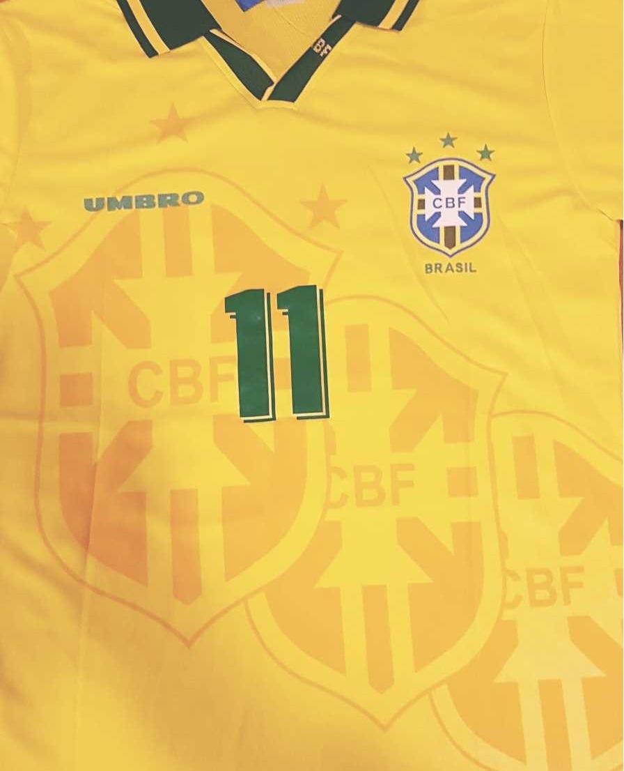 camisa brasil retrô 1994 oficial copa 94 romário pr entrega. Carregando  zoom. fbb829b583f91