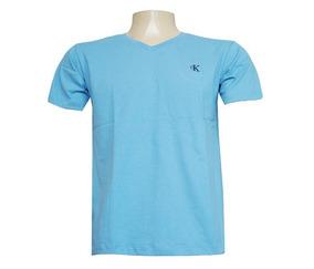 a28bc9b92f Camisas Gola V Funda Calvin Klein no Mercado Livre Brasil