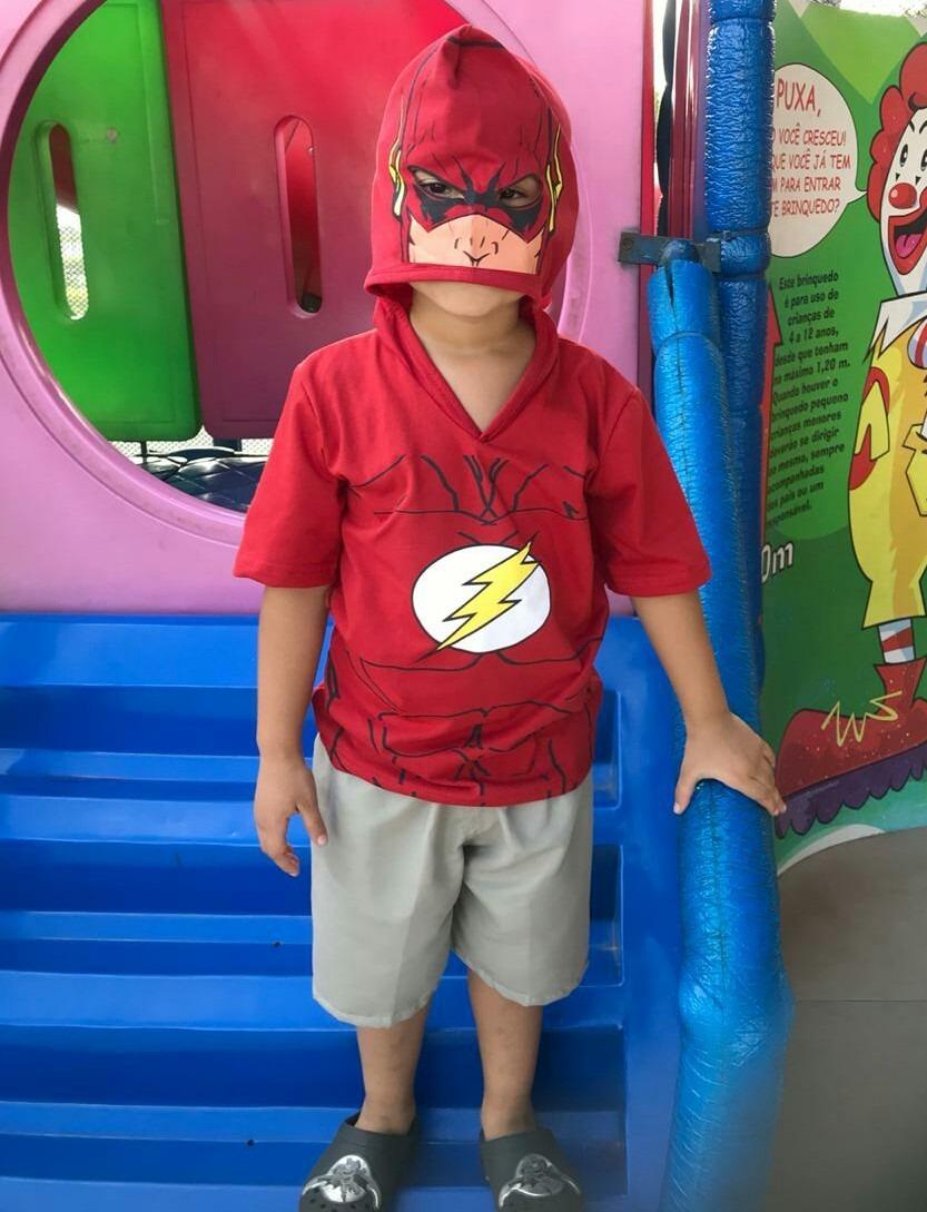 f5548efb9 camisa camiseta infantil flash para meninos com capuz rosto. Carregando  zoom.