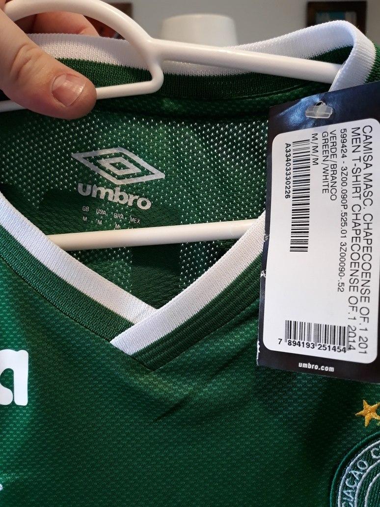 694ac7ca9a Camisa Chapecoense Umbro Dez Verde - R  220