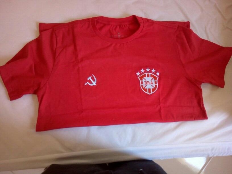 camisa comunista vermelha da seleção brasileira. Carregando zoom. 40ae14626ebd6