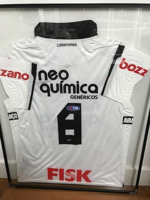 0659f6dc6e Camisa Corinthians Autografada E Enquadrada - 2011 - R  1.500
