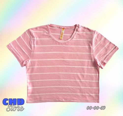 camisa croptop diseño de líneas.