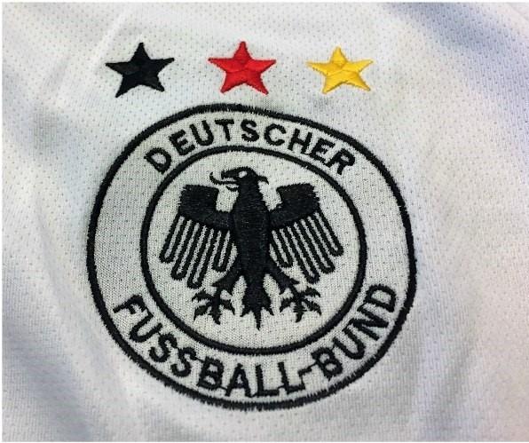 6a70fe1a4b Camisa Da Alemanha Copa Do Mundo 2002 Autografada Klose - R  599