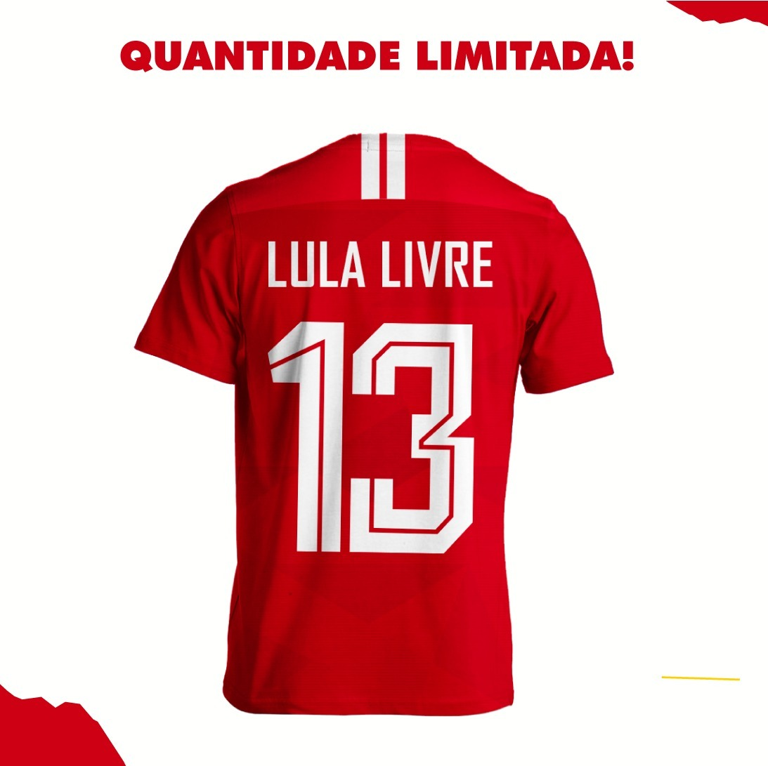 Camisa Da Copa Seleção Do Pt Vermelha Lula Livre Frete Free - R  89 ... ac3ddeccee172