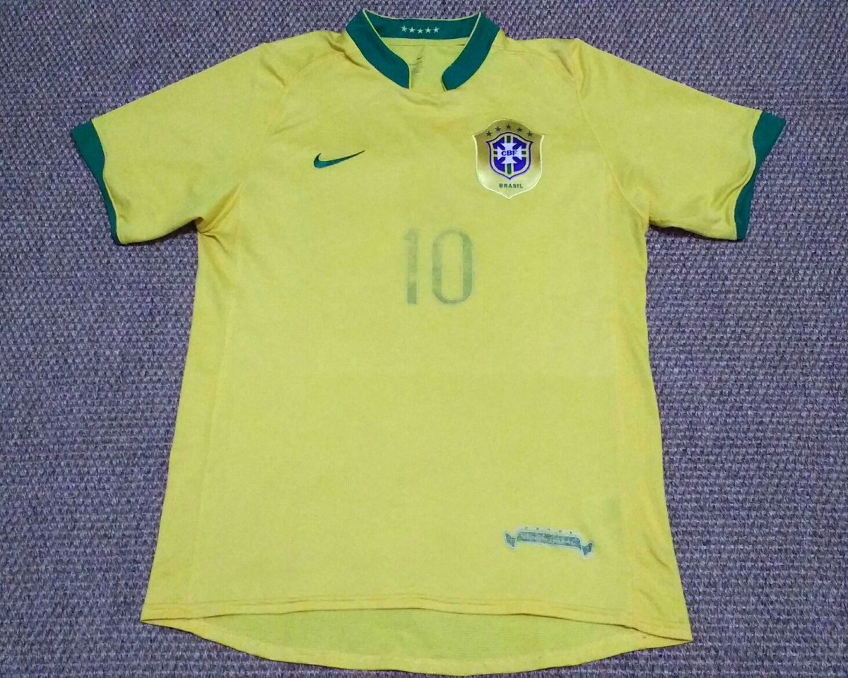 5d57de43be camisa da seleção brasileira 2006 ronaldinho. Carregando zoom.