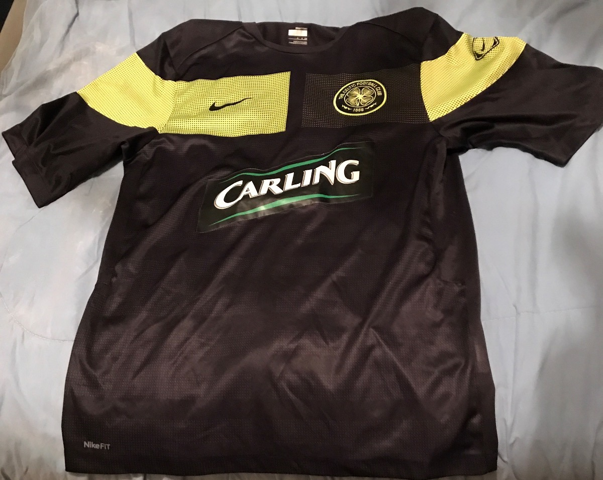 camisa de futebol nike - celtic escócia away- tamanho p rara. Carregando  zoom. bb99e8d32f622
