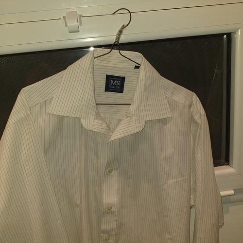 camisa de hombre blanca
