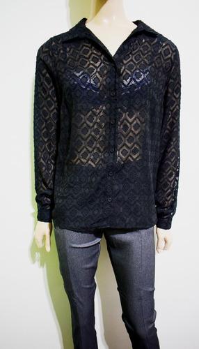camisa de mujer con transparencias negra