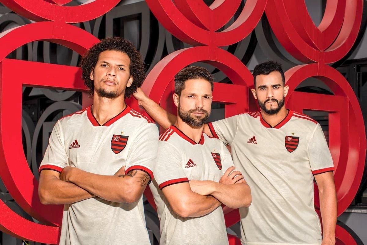 3810231b4f Camisa Flamengo Ii 2018 Branca adidas Nova Frete Grátis 2019 - R$ 120,00 em  Mercado Livre