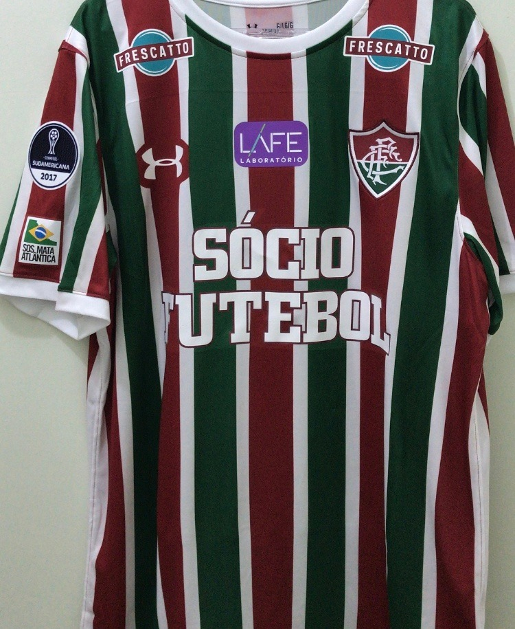 91d857532a9 camisa fluminense under armour tricolor - sul americana 2017. Carregando  zoom.