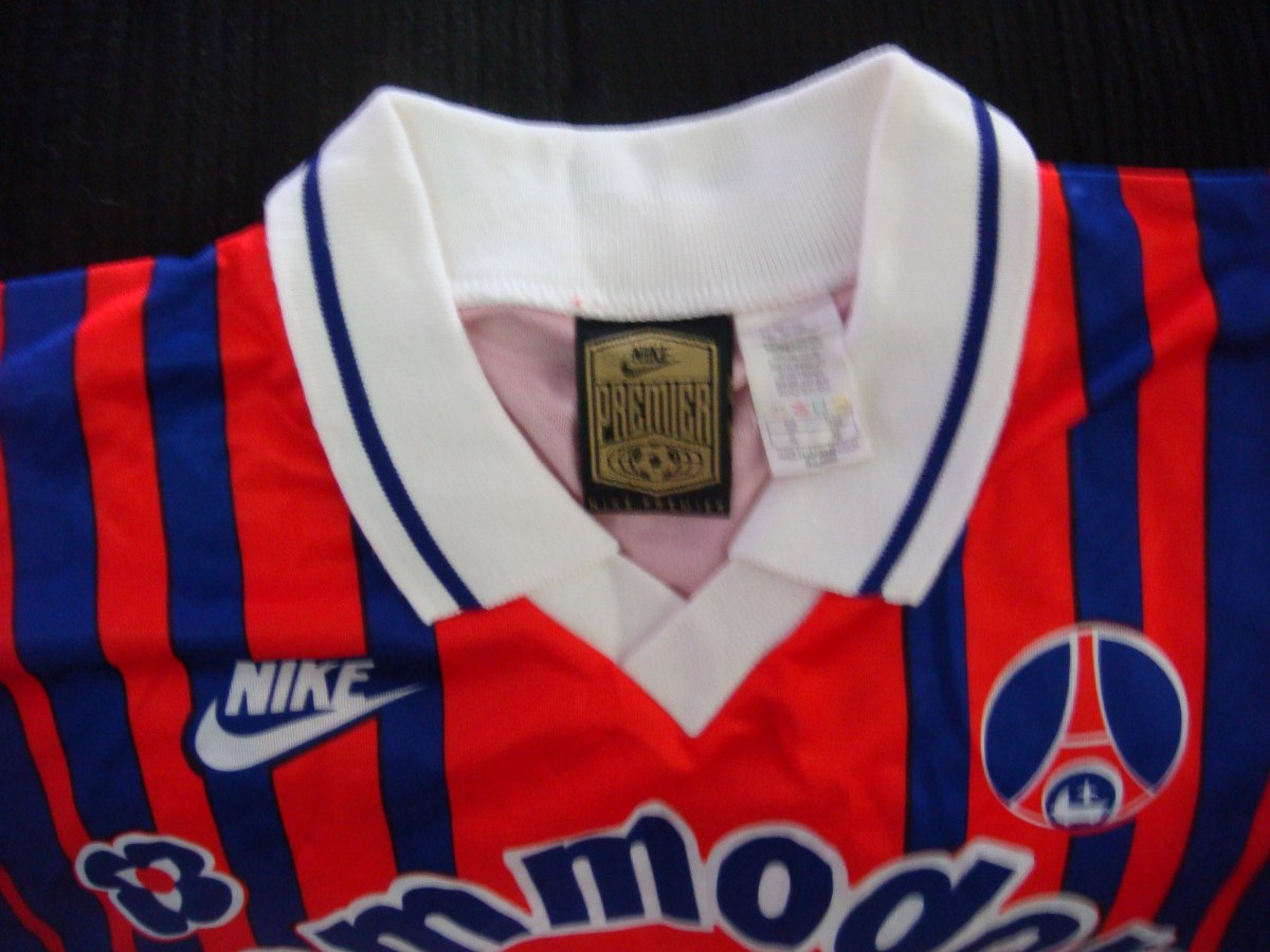 ec60384a23 camisa futebol paris saint germain frança nike antiga 716. Carregando zoom.